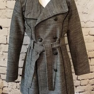 Guess Los Angeles Trench in EUC!
